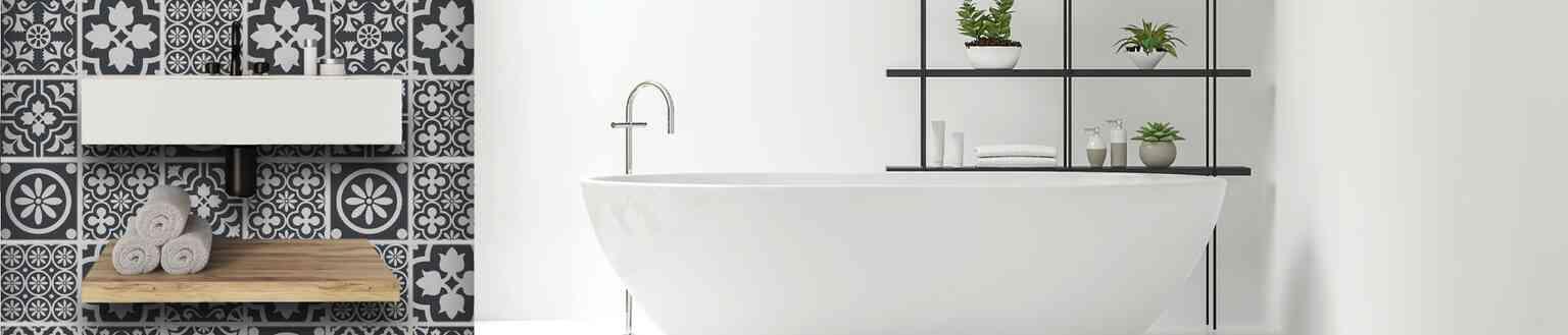 חיפויי קיר זכוכית לאמבטיה