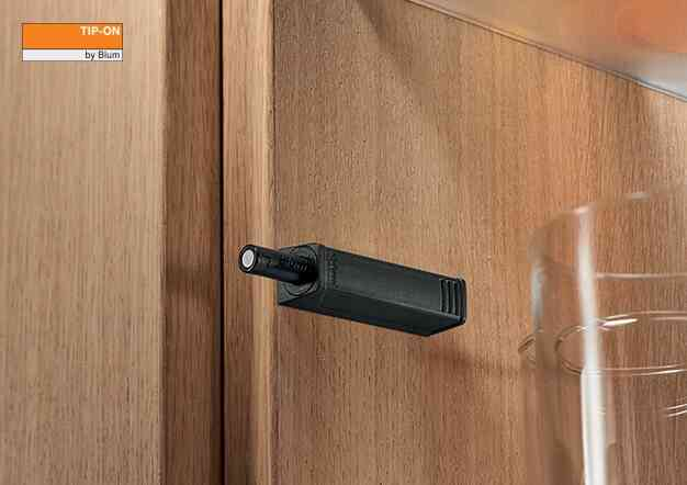 צירים לדלתות מיוחדות | בלורן מוצרי פרזול איכותיים