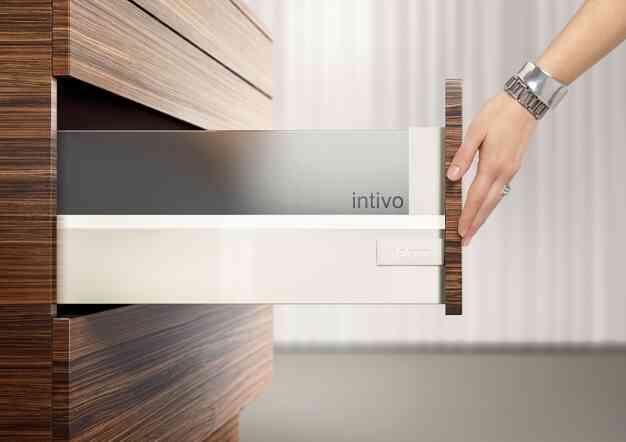 מגירות לסלון - פתרונות פרזול ועיצוב לסלון