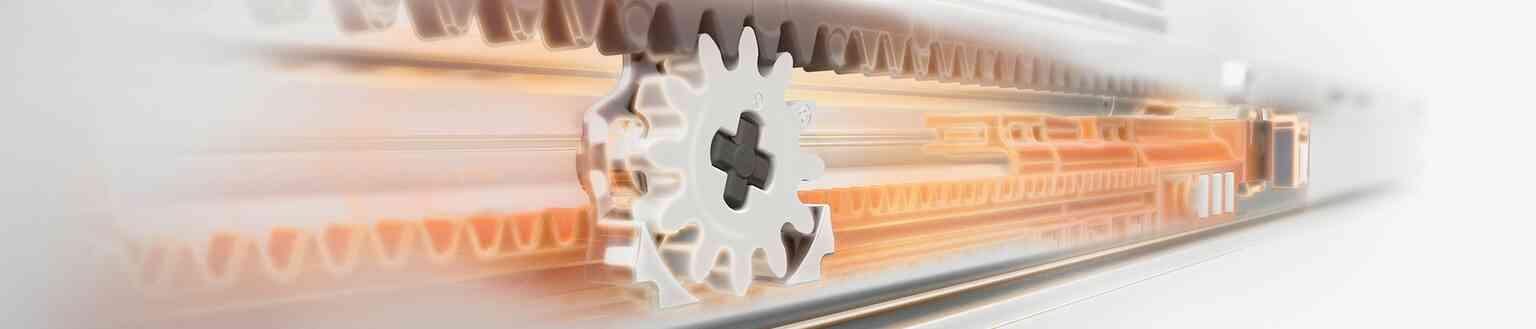 מסילות למגירות עץ של BLUM | בלורן מוצרי פרזול איכותיים