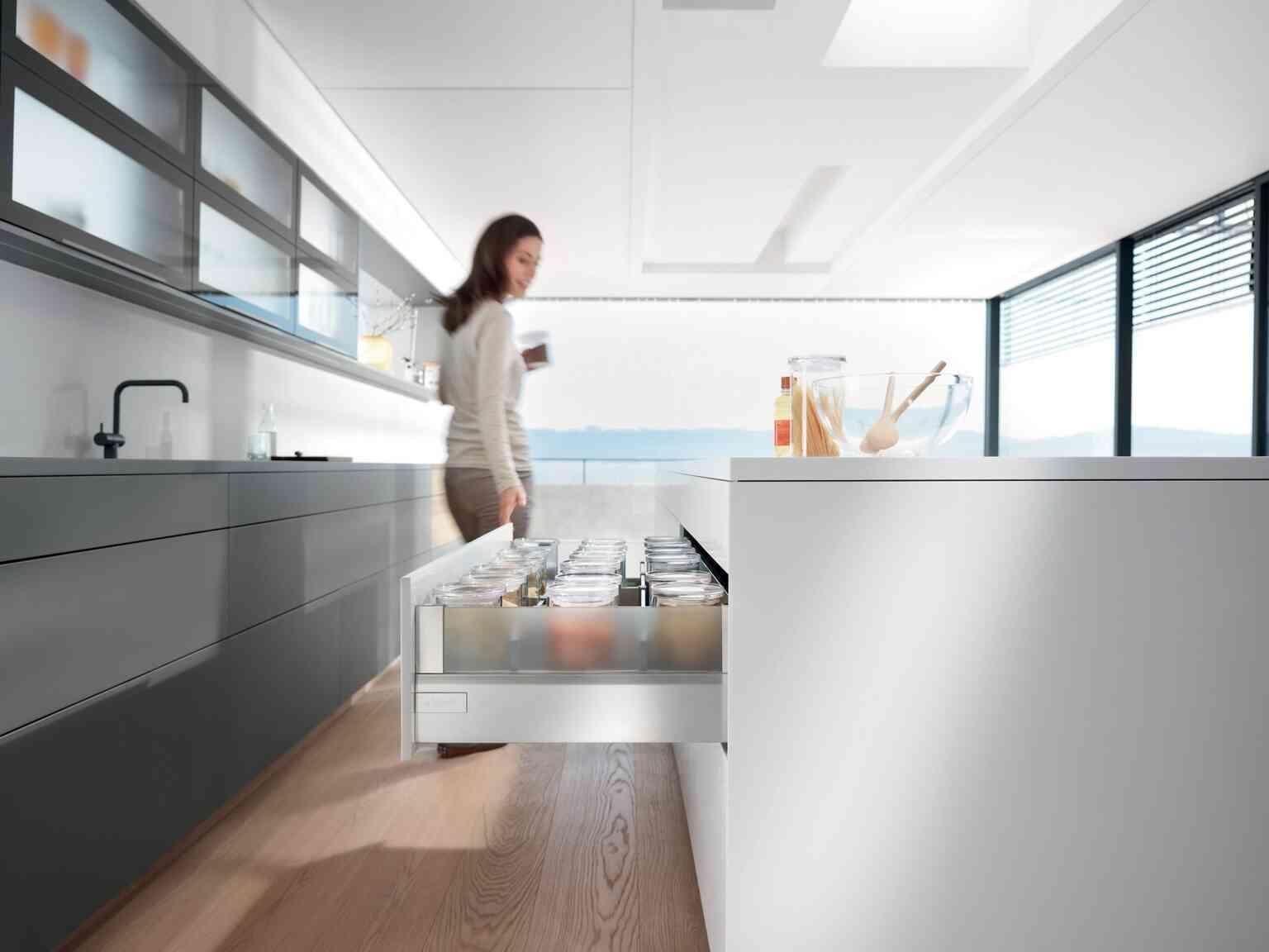 מגירות אינטיבו T למטבח | בלורן מוצרי פרזול איכותיים למטבח