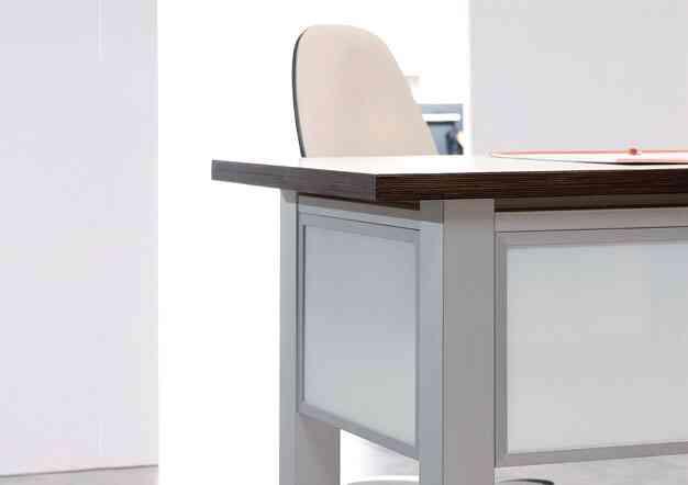 שולחנות משרד מודלוריים | בלורן מוצרי פרזול איכותיים